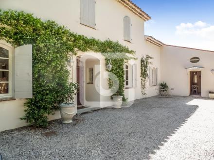 Villa de luxe à vendre TOURRETTES, 230 m², 4 Chambres, 845000€