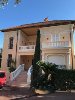Maison de luxe à louer BEAULIEU SUR MER, 380 m², 6 Chambres,