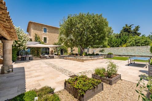 Maison de luxe à louer CABRIERES D'AVIGNON, 450 m², 6 Chambres,