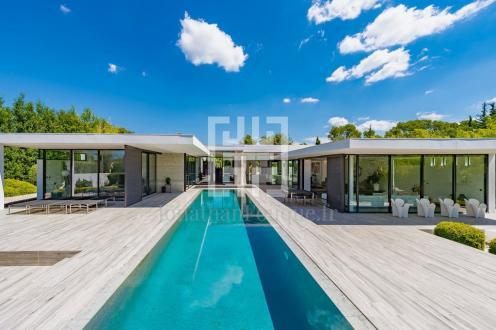 Villa de luxe à vendre BRIGNOLES, 268 m², 2 Chambres, 2150000€