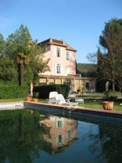 Luxury House for sale EYGALIERES, 7 Bedrooms, € 1 580 000