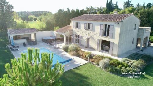 Luxus-Liegenschaft zu verkaufen MAUSSANE LES ALPILLES, 137 m², 3 Schlafzimmer, 1100000€