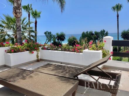 Дом класса люкс на продажу  Испания, 263 м², 4 Спальни, 1495000€