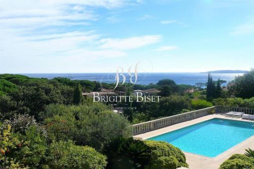 Villa de luxe à vendre SAINTE MAXIME, 280 m², 5 Chambres, 2100000€