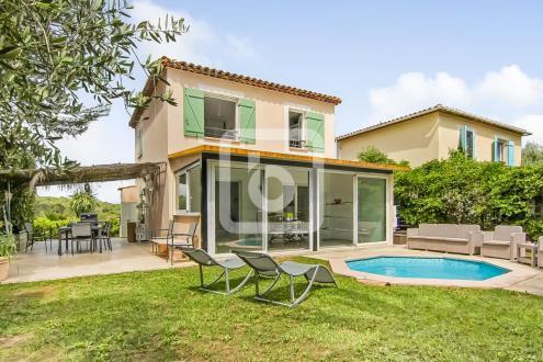 Villa di lusso in vendita VALBONNE, 106 m², 3 Camere, 595000€