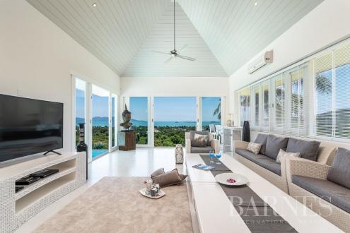 Дом класса люкс на продажу  Тайланд, 406 м², 5 Спальни, 963073€