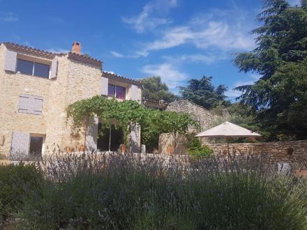 Casa di lusso in vendita BONNIEUX, 140 m², 2 Camere, 604200€
