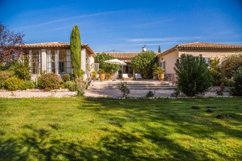 Luxury House for rent SAINT REMY DE PROVENCE, 350 m², 4 Bedrooms,