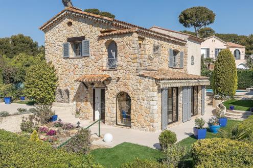 Villa de luxe à vendre CAP D'ANTIBES, 3 Chambres, 2500000€