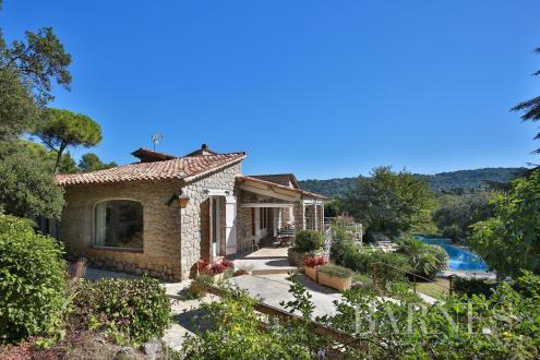 Villa de luxe à vendre MOUANS SARTOUX, 293 m², 7 Chambres, 1280000€