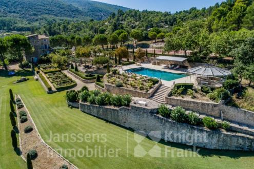 Farm di lusso in vendita BONNIEUX, 330 m², 5 Camere, 5300000€
