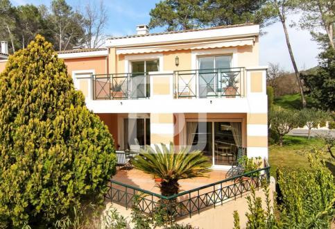 Luxus-Haus zu verkaufen MOUGINS, 92 m², 3 Schlafzimmer, 649000€