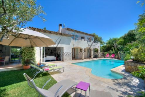 Maison de luxe à vendre SAINT RAPHAEL, 180 m², 4 Chambres, 879000€