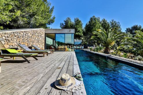 Maison de luxe à louer BANDOL, 350 m², 4 Chambres,
