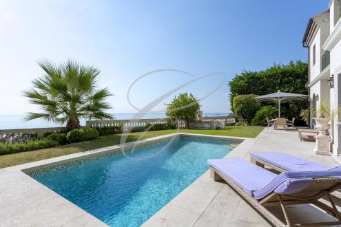 Villa de luxe à vendre ROQUEBRUNE CAP MARTIN, 300 m², 4 Chambres, 5800000€