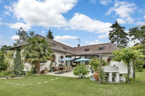 Villa de luxe à vendre BAZOCHES SUR GUYONNE, 260 m², 4 Chambres, 895000€