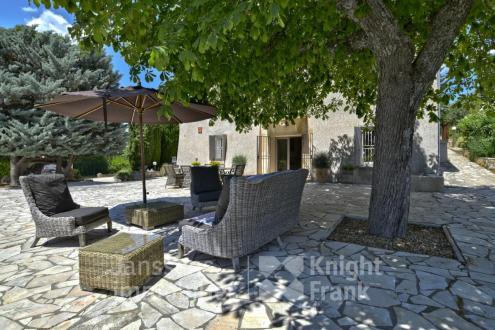 Casa di lusso in vendita PIERREVERT, 442 m², 9 Camere, 1480000€