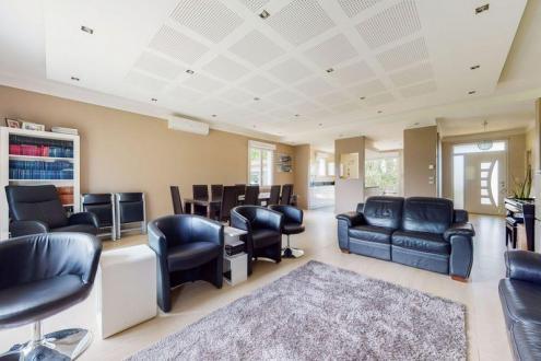 Casa di lusso in vendita CALUIRE ET CUIRE, 219 m², 6 Camere, 640000€
