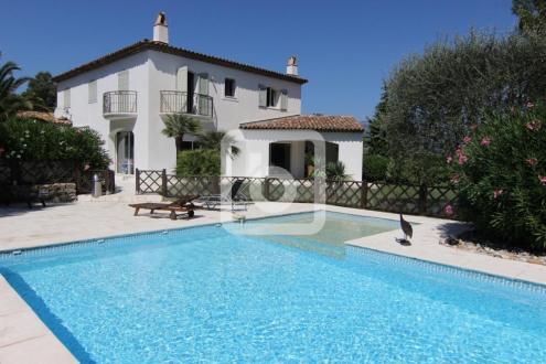 Propriété de luxe à vendre MOUGINS, 264 m², 5 Chambres, 1990000€