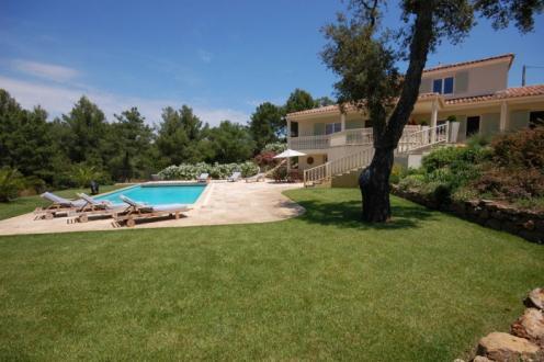 Дом класса люкс на продажу  Коголин, 250 м², 5 Спальни, 1495000€