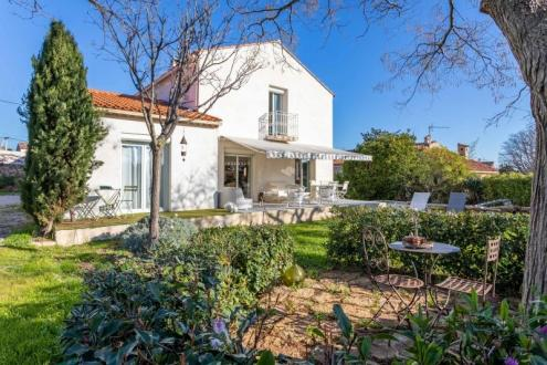 Luxury House for sale LA CIOTAT, 205 m², 7 Bedrooms, €985000