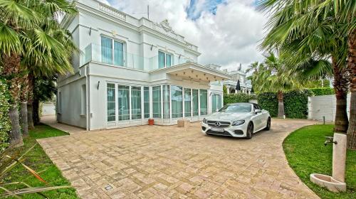 Proprietà di lusso in vendita LE GOLFE JUAN, 350 m², 5 Camere, 4115000€