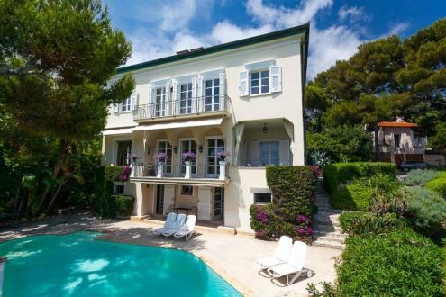 Propriété de luxe à vendre CAP D'AIL, 300 m², 6 Chambres, 18000000€