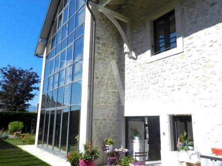 Appartamento di lusso in vendita SAINT GENIS POUILLY, 244 m², 3 Camere, 1050000€
