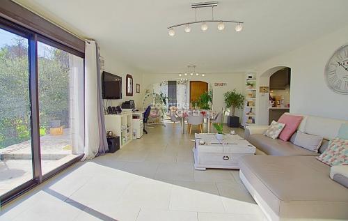 Luxus-Wohnung zu verkaufen MOUGINS, 230 m², 827000€