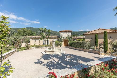 Villa de luxe à vendre GRASSE, 370 m², 5 Chambres, 2900000€