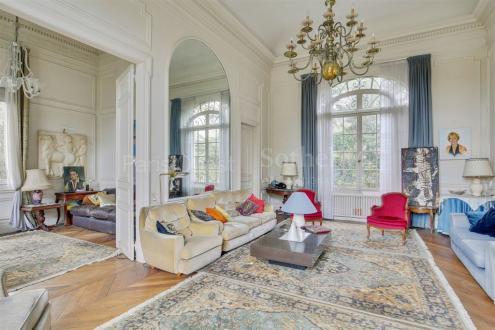 Maison de luxe à vendre LA CELLE SAINT CLOUD, 280 m², 1950000€