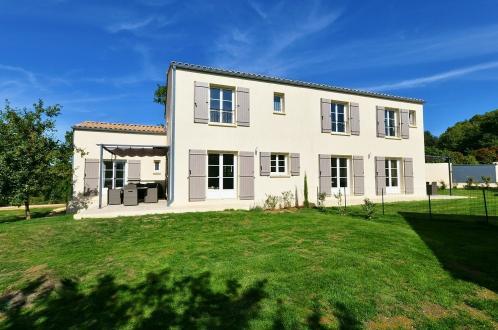 Bastide di lusso in vendita UZES, 240 m², 715000€