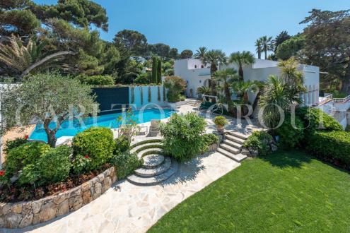 Maison de luxe à louer CAP D'ANTIBES, 470 m², 6 Chambres,
