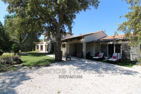 Villa de luxe à vendre PLAN DE LA TOUR, 170 m², 4 Chambres, 895000€