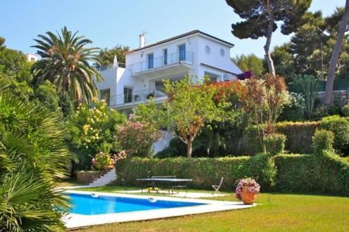 Villa de luxe à vendre CAP D'ANTIBES, 308 m², 6 Chambres, 13000000€