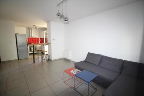 Luxe Appartement te huur OLLIOULES, 51 m², 1 Slaapkamers, 655€/maand
