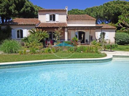 Maison de luxe à vendre GRIMAUD, 170 m², 4 Chambres, 880000€