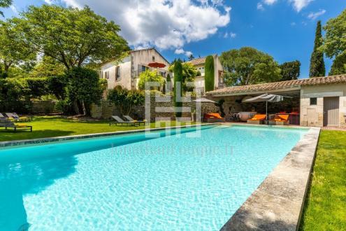 Maison de luxe à louer SAINT REMY DE PROVENCE, 650 m², 6 Chambres,