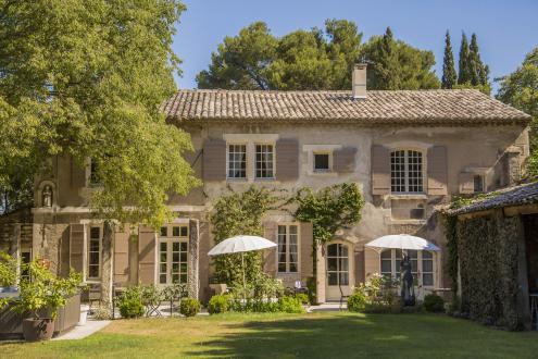 Maison de luxe à louer SAINT REMY DE PROVENCE, 250 m², 5 Chambres,