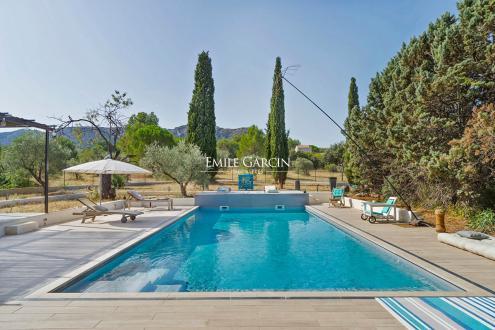 Luxus-Haus zu vermieten EYGALIERES, 300 m², 3 Schlafzimmer,