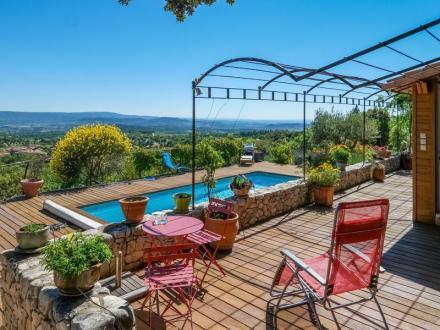 Дом класса люкс на продажу  Бедуан, 150 м², 3 Спальни, 630000€