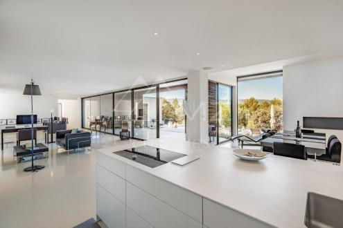 Дом класса люкс на продажу  Горд, 215 м², 3 Спальни, 1850000€