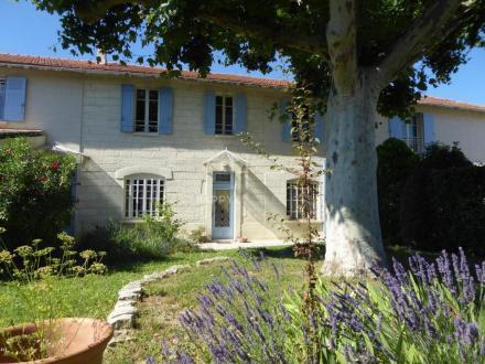 Luxus-Haus zu verkaufen EYRAGUES, 301 m², 6 Schlafzimmer, 595000€