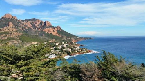 Luxus-Grundstück zu verkaufen SAINT RAPHAEL, 590000€