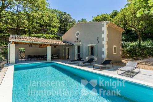 Luxe Farm te koop BONNIEUX, 90 m², 3 Slaapkamers, 795000€