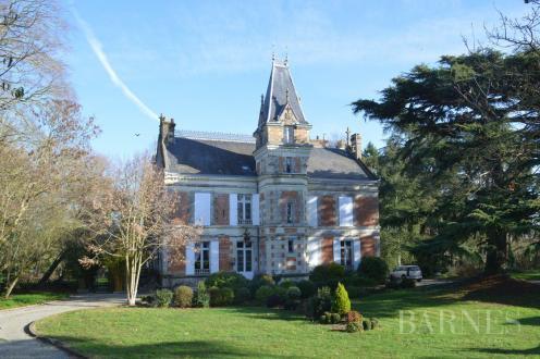 Château / Manoir de luxe à vendre NANTES, 450 m², 1190000€