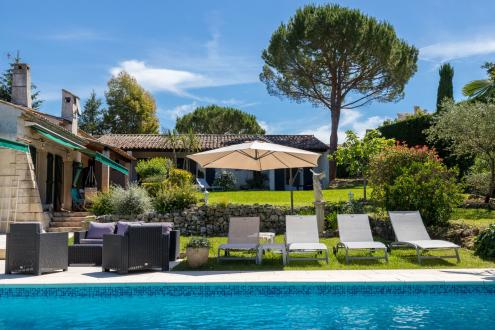 Luxury Property for sale VALBONNE, 390 m², 7 Bedrooms, € 1 990 000