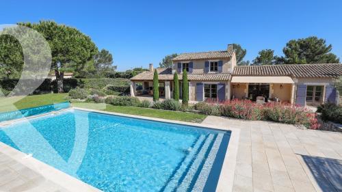 Casa di lusso in vendita EYGALIERES, 180 m², 4 Camere, 1378000€