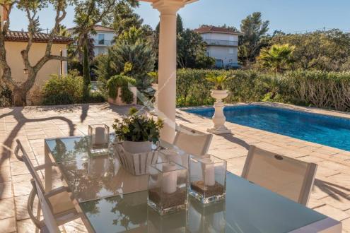 Luxe Huis te koop SAINT AYGULF, 240 m², 3 Slaapkamers, 1140000€