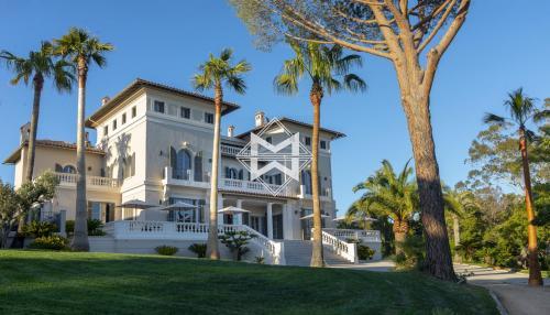 Luxus-Liegenschaft zu vermieten LA CROIX VALMER, 2248 m², 28 Schlafzimmer